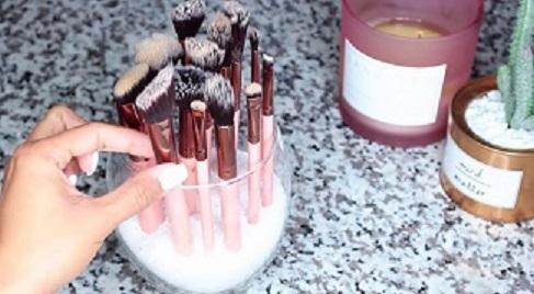 Как мыть кисти для макияжа?