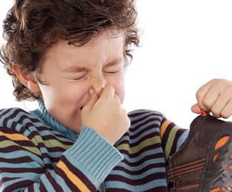 Неприятный запах от обуви? Срочно избавляемся от проблемы!
