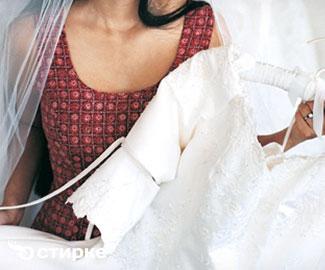 Как вернуть свадебному платью роскошный вид в домашних условиях