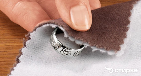 Как легко почистить серебро с камнями