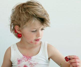 Пятна от ягод: как с ними бороться
