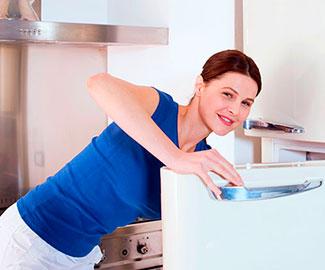 Как избавиться от неприятного запаха в морозилке