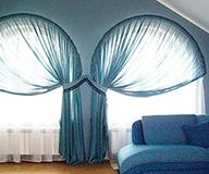 Как красиво повесить тюль и шторы в комнате